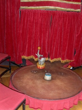 cirkusz belul_448x600